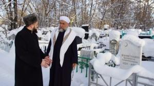 Муфтий РТ Камиль хазрат Самигуллин прочитал дуа у могилы Галимджана Баруди