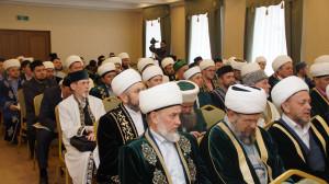 На Пленуме ДУМ РТ избрали обновленный состав Совета улемов, Совета акасакалов и Совета казыев.