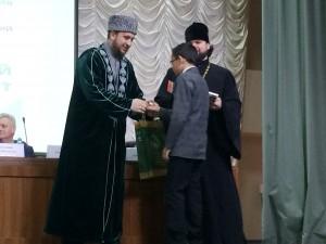Рустам хазрат Хайруллин принял участие в конференции в Доме Дружбы народов Татарстана